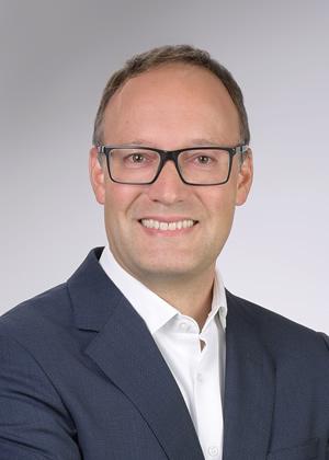Dr. Mauricio Foeth